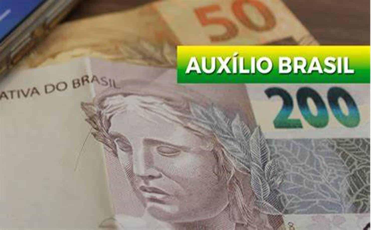 Auxílio Emergencial será transição para o Auxílio Brasil; entenda